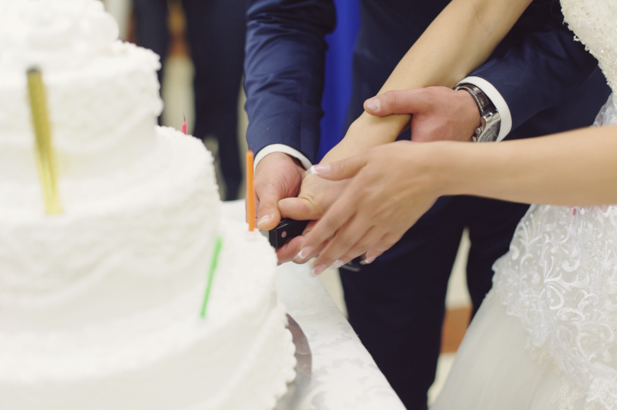http://www.georgevivanco.com/wp-content/uploads/2015/05/Cake-cutting.jpg